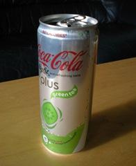 En burk Coca Cola light plus green tea